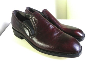 Vintage Mens Shoes 60s Leather Ox Blood Slip On Shoes Dead Stock Loafers  US 9 - on sale
