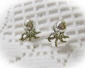 Baby OCTOPUS Ear Studs - Squid Pierced Earrings - STEAMPUNK - Victorian Style - Silver