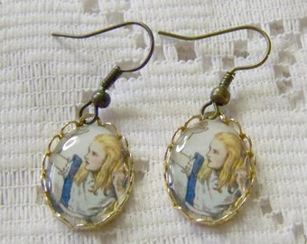 Alice In Wonderland Earring - Nothing but a Deck of Cards - John Tenniel Art