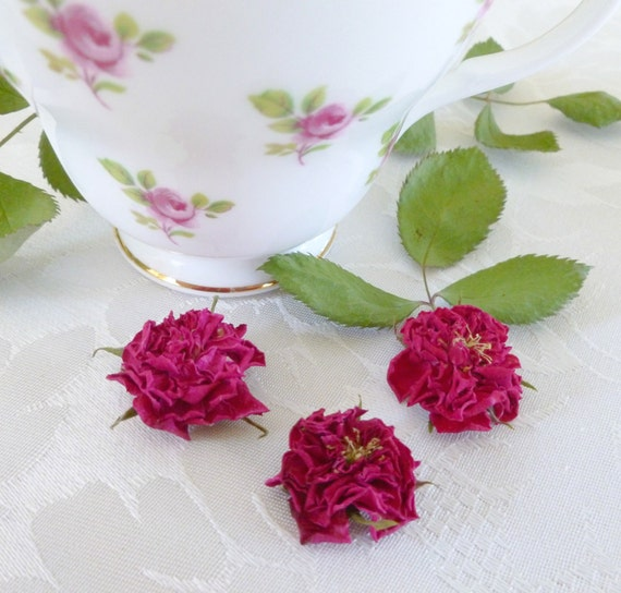 50 Dry Miniature Roses, Wedding Confetti, Centerpiece, Flower Girl, Red, Craft Supply, Rosebuds, Pink,  Christmas Decoration, Petals, Decor