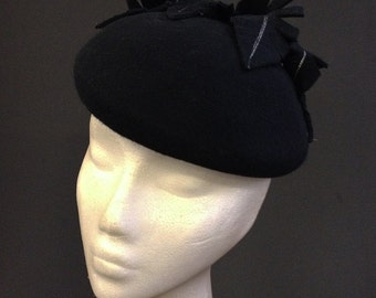 Black & Silver Feather Beret - Great felt hat perfect for a wedding or the races, can be made in other colours