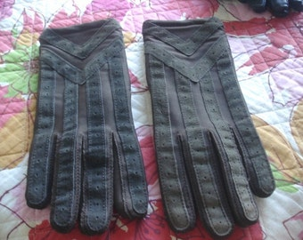 "Ladies Brown Isotoner Gloves Size Large 8.5"" long"