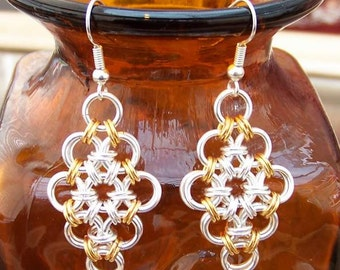 Chainmaille earrings. Silver plated and/or gold plated Japanese diamond
