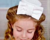 White Pillbox Hat Vintage Headband Great Photography Prop Tea Party Birthday Party White Bow Wedding Christening Baptism
