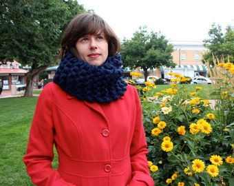 Hand knit cowl - super thick and stretchy wool blend
