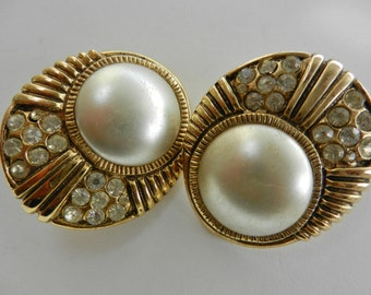 Wedding jewelery - Gorgeous 70s crystals and pearls earrings  for the bride from the fascinating look--Art.892/2-