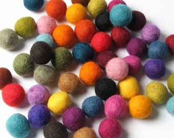 50 Hand-felted Wool Felt Balls 1.5 CM Multi Color Mix Handbehg Felts Fiber Crafts