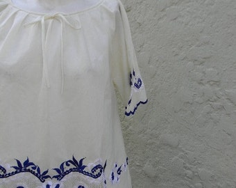 vintage.  60s Cream Cotton Blouse with Blue and White Embroidery  // One Size Fits All