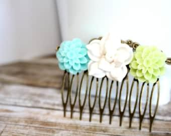 Flower Hair Comb, Bridal Accessories, Hair Accessories, Bridesmaids, Bridemaid Gift, Wedding Jewelry