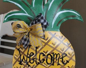 Pineapple Door Hanger