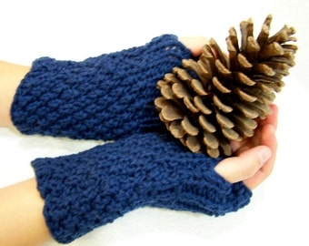 Navy Blue Wool Button Cuff Fingerless Mittens, Blue Chunky Knit Fingerless Mittens, Knit Arm Warmers, Blue Knit Wristwarmers, Winter Trends