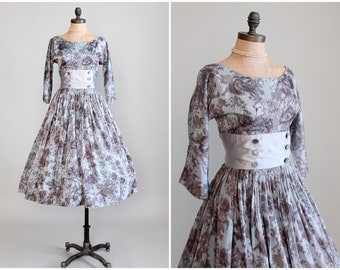 Vintage 1950s Dress : 50s Grey Floral Silk Party Dress