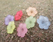 Lucite Flower Beads In Pastels 12mm X 4.5mm(Item Number PL561M)