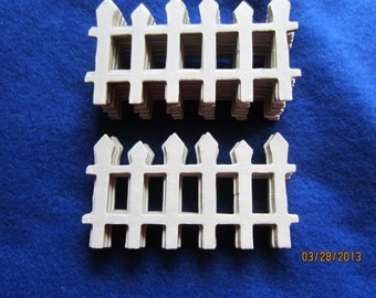 White Picket Fence- Chipboard Fence-Blanks -Unfinished-Decoration-Raw Chipboard-Rustic Wedding-Housewarming-Small White Cardboard Fences