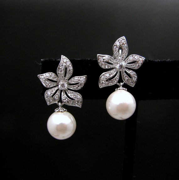 Bridal earrings wedding jewelry soft cream round pearl on cubic zirconia white gold flower earring post