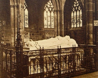 Unused Vintage Postcard - Duke of Westminster Monument, Chester Cathedral, England