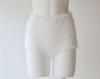White Swan hand knitted high waisted seamless shorts fur-like look in crispy white