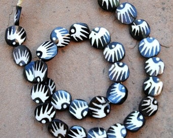 Ghana Batik Bone Beads: Round  (20mm)