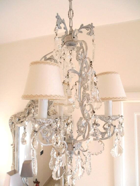 Meraviglioso lampadario 3 luci vintage bianco con lumetti in