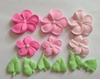 LOT of 200 Royal Icing flowers and 50 leaves
