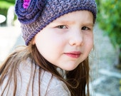 Crochet pattern : childrens retro hat with flower in 4 sizes