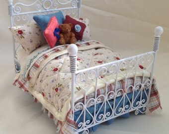 Dolls House Luxury Dressed 1/12th Double Bed - Sarah