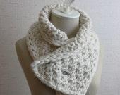 Knitting Pattern / Neckwarmer Cowl / Chunky Textured Twist Stitch Super Bulky / PDF Digital Download