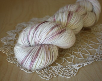 Hand Dyed DK Weight Yarn / White Mauve Grey Moss / Merino Alpaca Silk / Creme / NEW