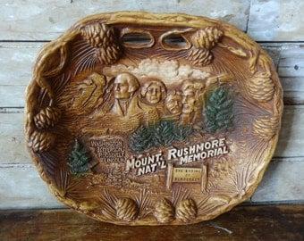 Vintage  Mount Rushmore National Park South Dakota Syroco Wood Bowl Souviner