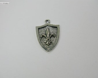 17x22mm Antique silver color lead free pewter charm