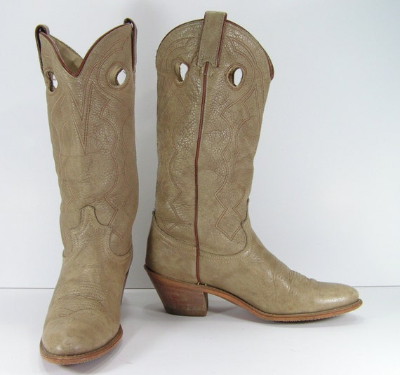 Popular She Just Made Her First Foray Into Fashion Design, Launching A Collection Of Womens Cowboy Boots For Texasbased Heritage  I Love Wearing Vintage Boots And Vintage Clothes, She Said And From