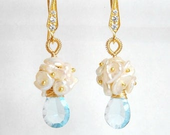 Grade AAA fllawless blue topaz gemstone and fresh water pearl dangle earrings, with vermeil ball pins and vermeil ear wires