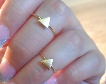 Triangle ring, Knuckle Ring, Triangle midi ring, gold triangle ring, gold rings, gold midi rings, gold stacking ring, geometric rings