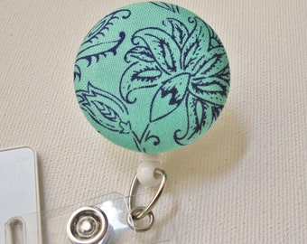 Swivel Clip Badge Reel in Hint of Mint