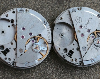 Vintage watch movements -- set of 2 -- D18