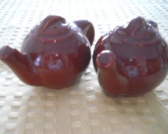 Brown Teapot Salt and Pepper Shakers - Vintage, Collectible