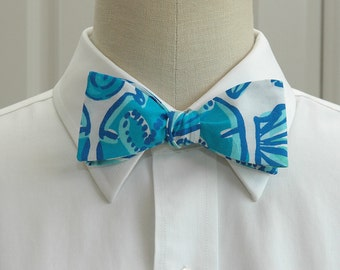 Lilly Bow tie in blue sailor's valentine (self-tie)
