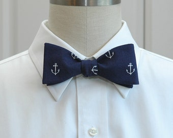 Men's Bow Tie dark navy blue white anchors, marine wedding bow tie, sailor gift, nautical wedding bow tie, groomsmen gift, self tie bow tie