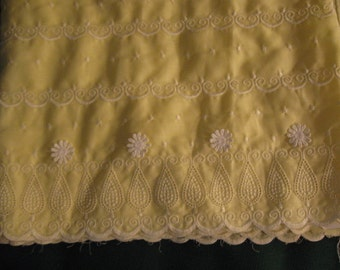 Vintage 1950s Embroidered panel eyelet with daisy applique-3 yards