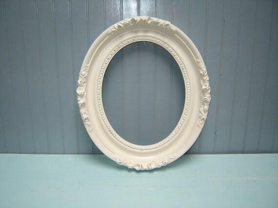 Vintage Ornate Oval Picture Frame  -   empty frame