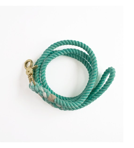SALE: Short Dog Rope Leash, Medium, Mint