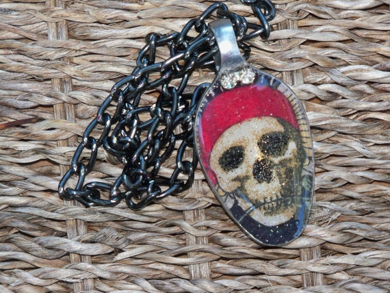 Skull jewelry, Pirate Skull Resin spoon pendant, spoon jewelry, Spoon pendant, Spoon art, Resin Jewelry, Spoon Necklace