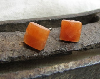 peach aventurine posts