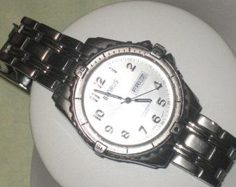 Gentleman's Benrus Designer Water Resistant Watch 100 Meters