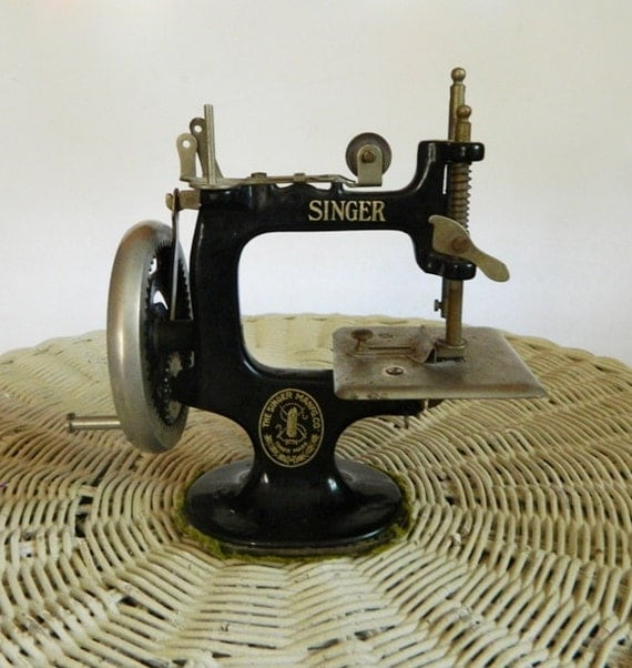how to clean cast iron singer sewing machine