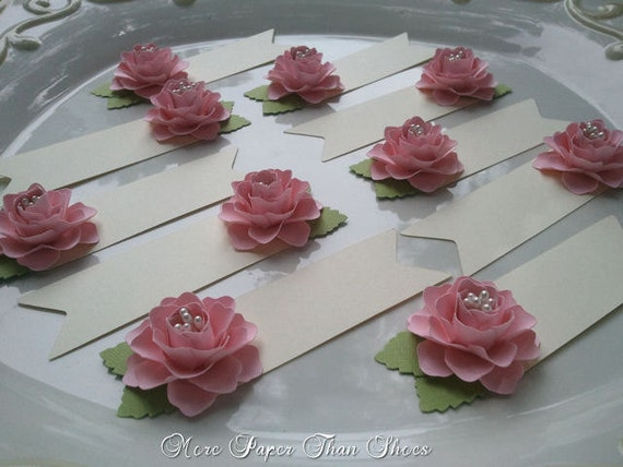 Flower Petal Clothespin Place Cards | Weddingbee |Flowers For Wedding Place Card