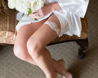 Bridesmaid Robes, WHITE, wedding robes, bridesmaid silk robe, dressing gown, personalized silk robe, kimono robes, floral robe, bridal robe