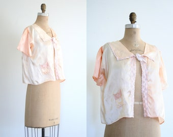 1940s satin bed jacket - romantic boudoir / Peachy Pink - pastel pale apricot / vintage 40s - sweet kawaii top - fairy kei