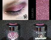 Red Eye Shadow - Loose Mineral Pigment Eyeshadow - Scaredy Cat - SAKURA - 5 mL Sifter