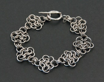 Sterling silver bracelet. Chainmaille bracelet. Handcrafted silver bracelet. Women's bracelet. Gift for her. Unique handcrafted jewellery.